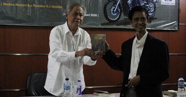 Buku 'Habibie & Soeharto' 'Luruskan' Asumsi Masyarakat